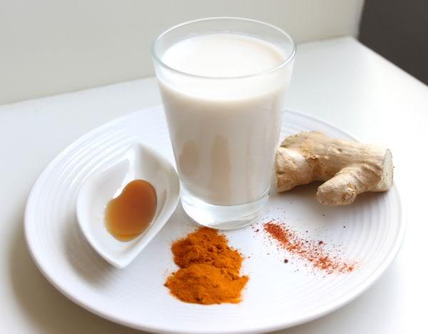 молоко с куркумой для груди